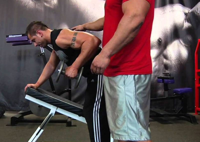 30- degrees One-Sided Dumbbell Row