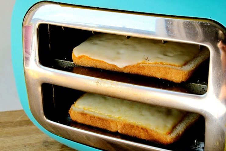 Turn the toaster on sides