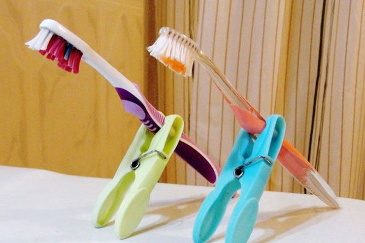 Tooth brush holders