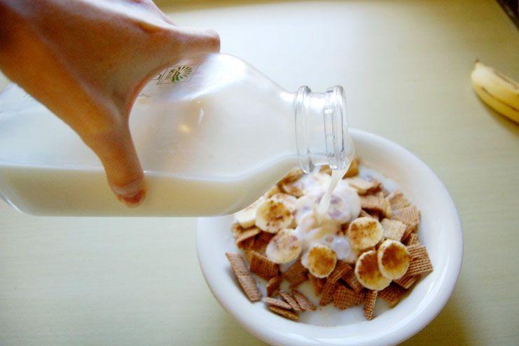 milk for acid reflux and heartburn