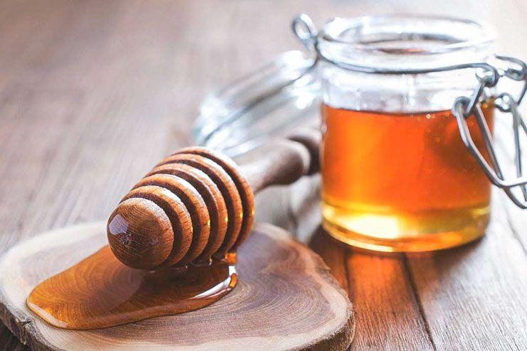 Raw Honey to treat Sore Throat