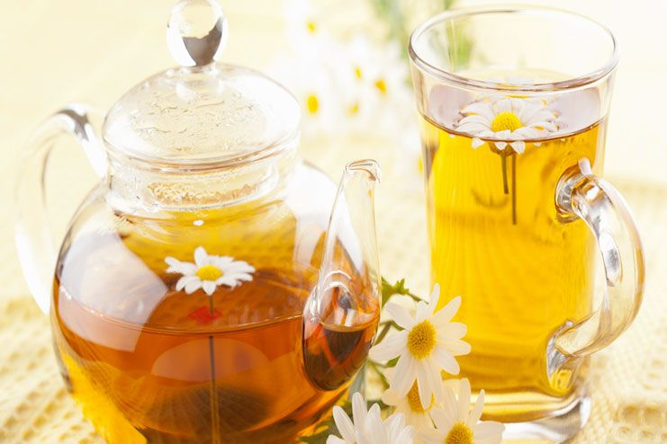 making chamomile tea at home