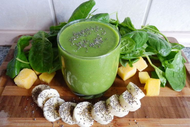 Chia seed and spinach smoothie