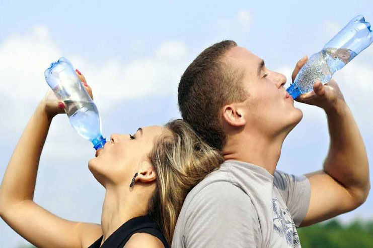 Drinking water on an empty stomach prevents headaches