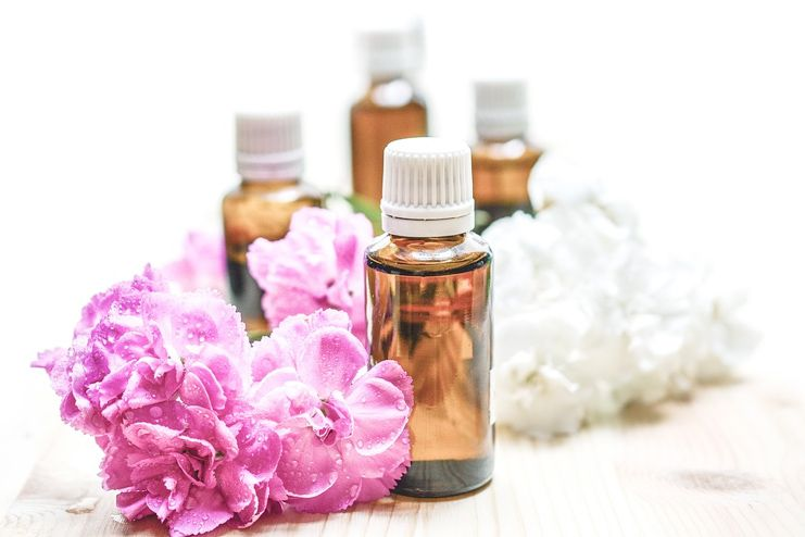How Essential Oils Help in Treating Psoriasis
