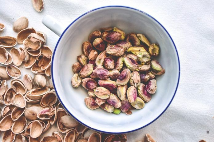 pistachios for skin