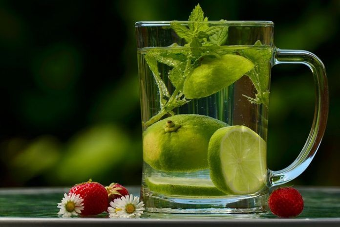Detoxification with Lemon Water
