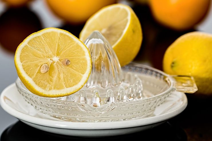 How To Use Lemon Juice To Remove Dark Spots