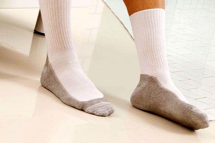 Best Diabetic Socks for Men and Women 2019