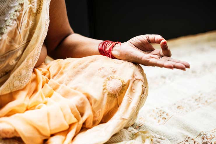 How Meditation Helps In Weight Loss