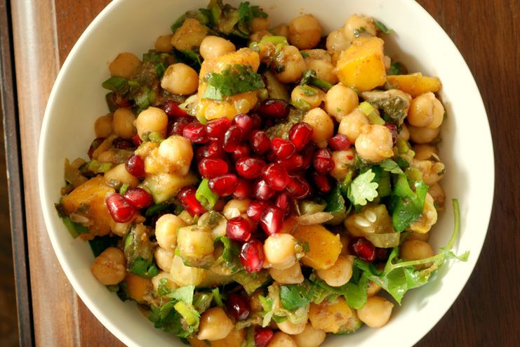 Chickpea Salad with veggies and fruits