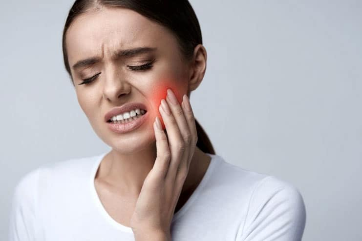How long does teeth whitening pain last