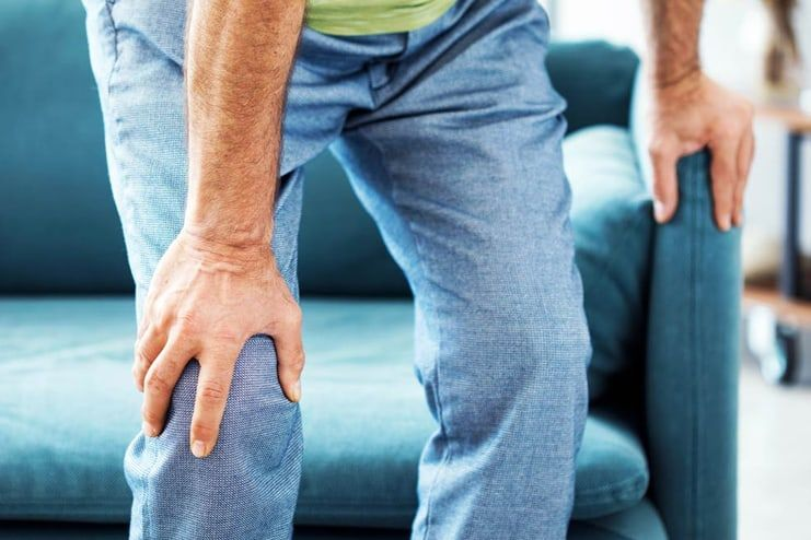What are the symptoms of Bakers cyst
