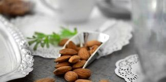 benefits of soaked almonds