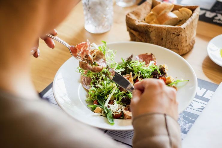 Focus on eating a wholesome lunch