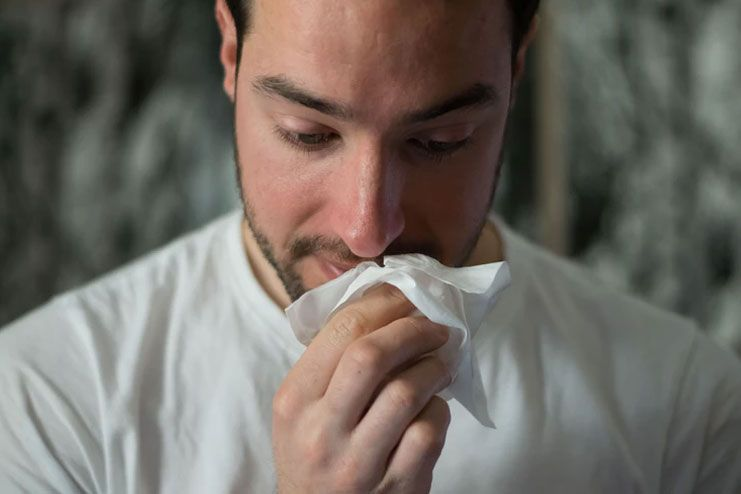 Staves off the risks of throat infection