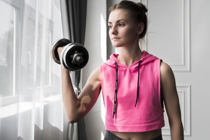 8 Doable Dumbbell Chest Exercises Without A Bench To Sculpt Your Upper Body