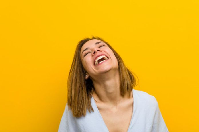10 Facial Exercises To Get Rid Of Laugh Lines