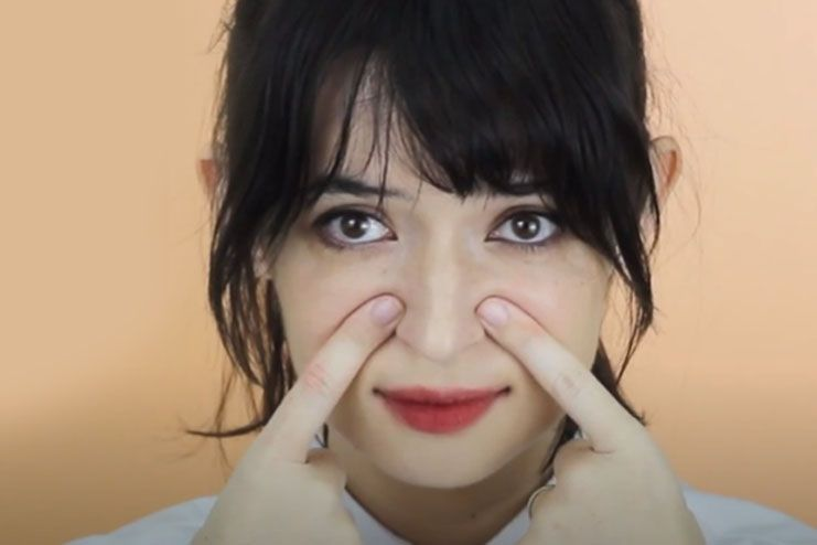 Exercise with finger tips for sharp nose
