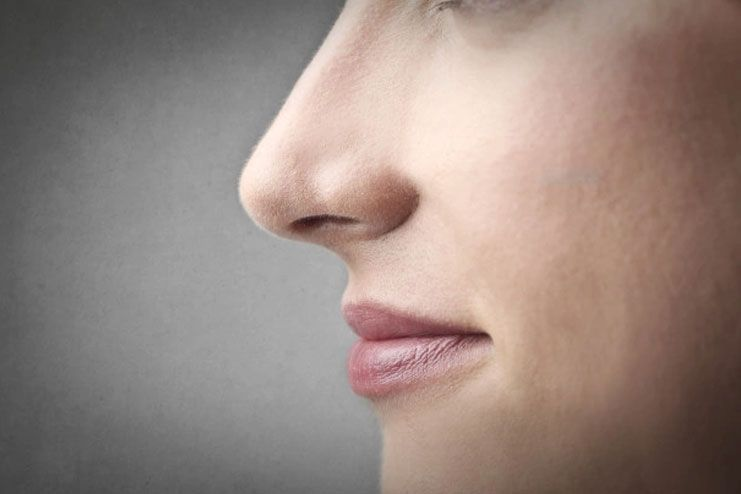 Exercise with nostrils to sharpen nose