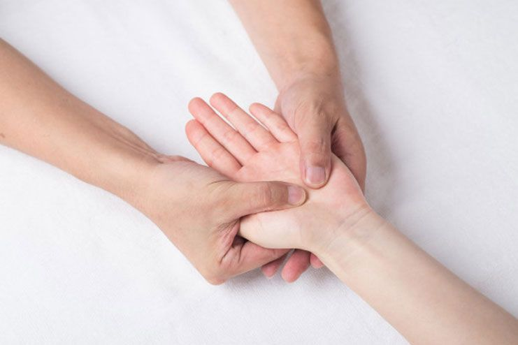 Techniques for hand massage